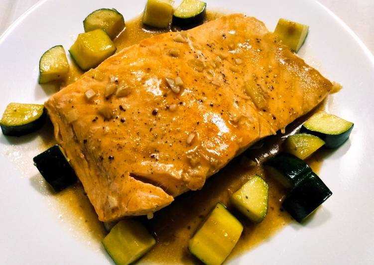 Salmon and zucchini braised in oyster sauce