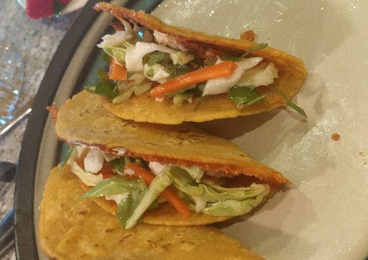 Whizzle grilled fish tacos with thug kitchen slaw