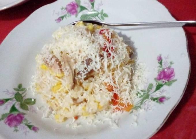 Fried Rice and grated cheese (nasi goreng keju)