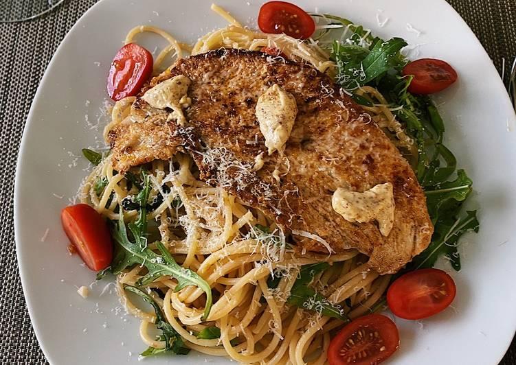 Bruschetta style pasta with grilled turkey😻