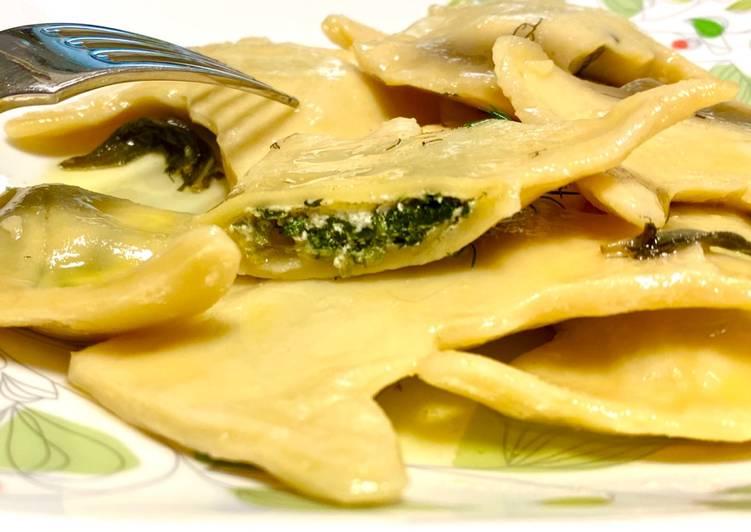 Spinach & Riccota Cheese Ravioli with Lemon Butter Sauce
