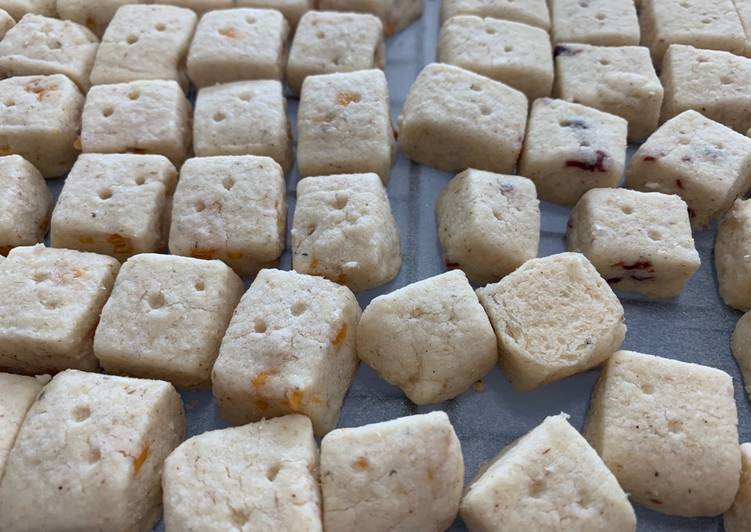 Psyllium Husk Shortbread with Dry Fruit