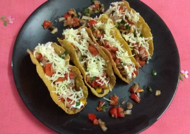 Mexican beans tacos