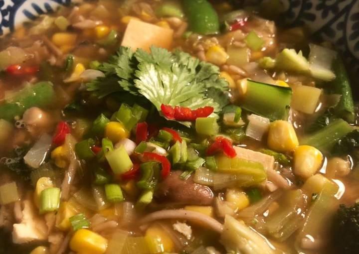 Veggie noodle soup - vegan