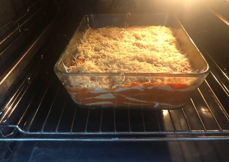 Lasagnes maison sans aubergine, sans viande et sans fromage..... mais quand même avec de l'emmental
