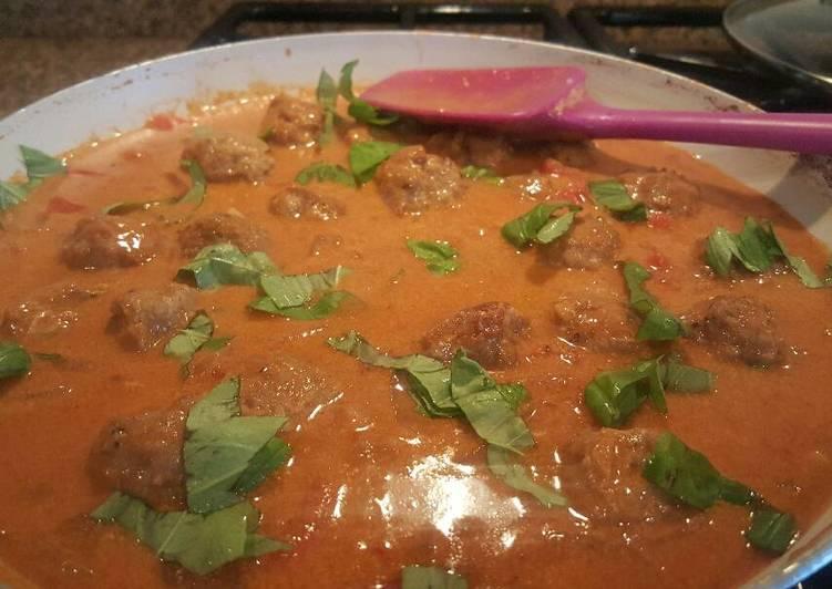 THAI Coconut curry turkey meatballs