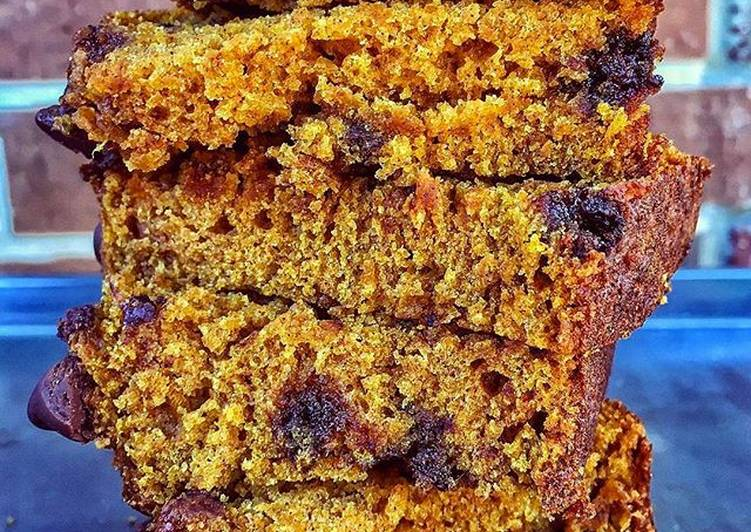 [Vegan] Chocolate chip pumpkin bread