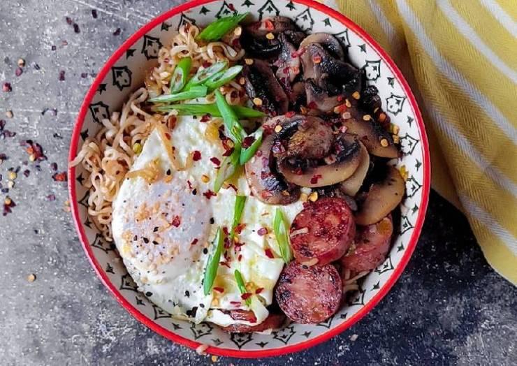 Ramen Noodle Breakfast Bowl