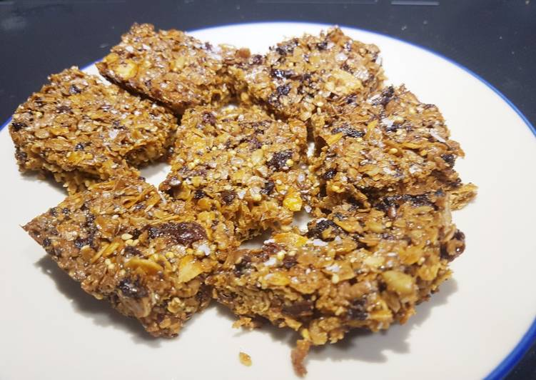 Apricot and almond flapjacks with honey and seeds