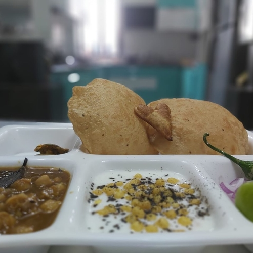 Puri Chole Meal