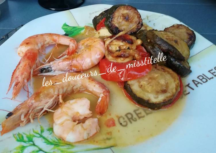 Scampis, tomates mozzarella et courgettes