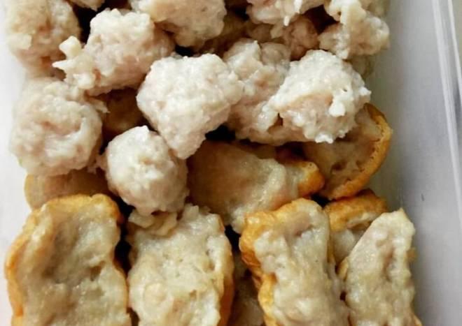 Chicken Meat Balls (Bakso Ayam) and Chicken Tofu (Tahu Bakso)