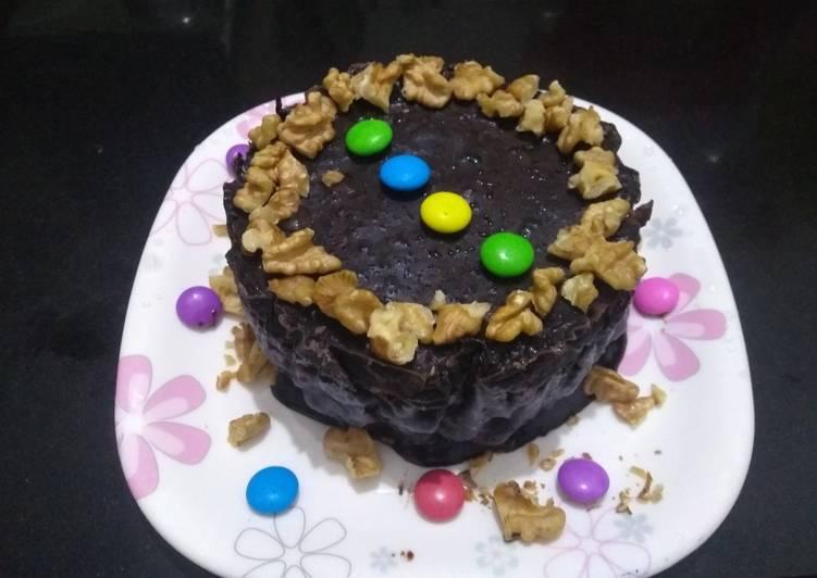 No Bake Biscuit Cake