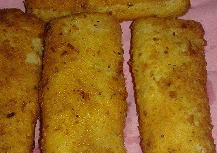 Cheese chicken bread roll #iftarispecial #cookpad with huma