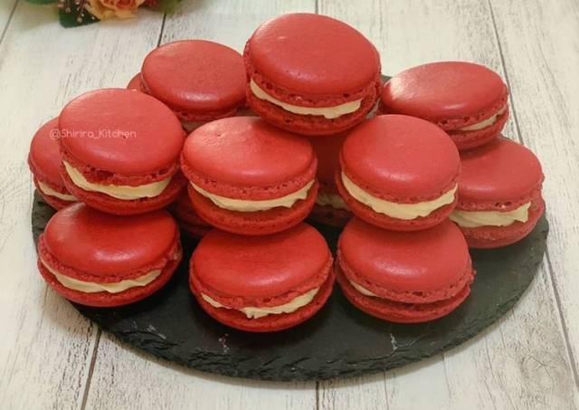 Red Velvet Macaron (dengan tips mengeringkan di oven)