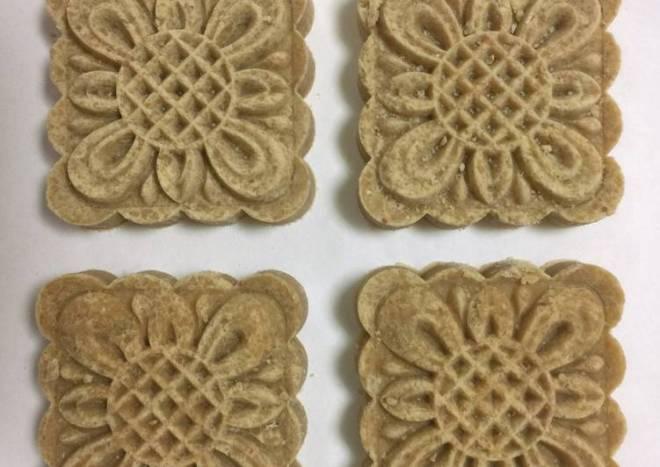 Healthy Gluten-free Vegan pine nut rice cakes