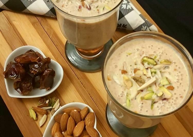 Dates & Almond Milkshake