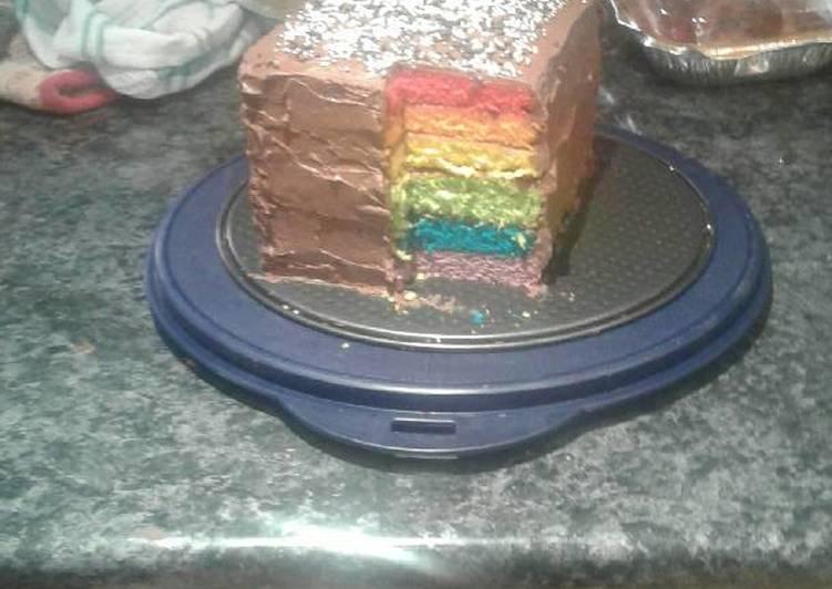 Amazing and Easy Rainbow Cake
