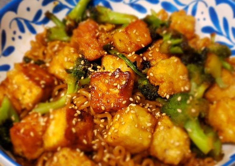 Vegan General Tso Tofu and Noodles
