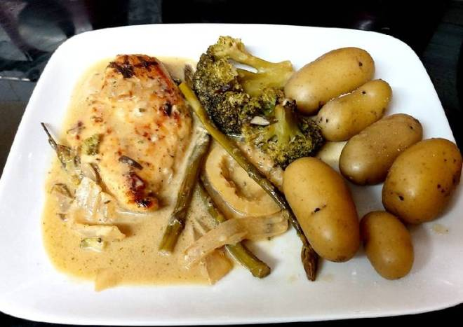 My Chicken Tarragon with Broccoli & Asparagus in sauce 🤩