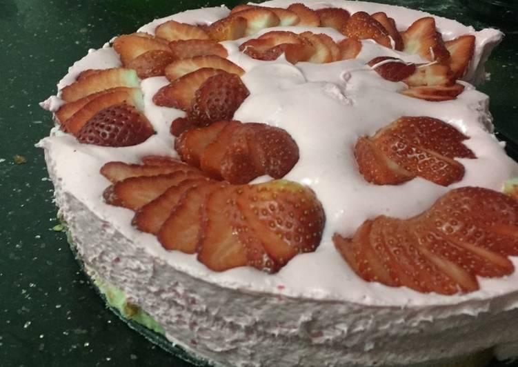 Easy lazy strawberry cheesecake