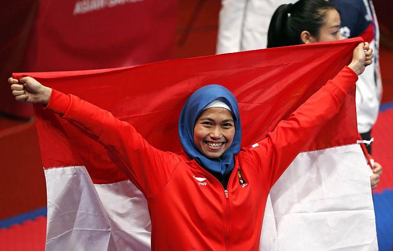 https: img-k.okeinfo.net content 2018 08 19 601 1938627 profil-defia-rosmaniar-peraih-medali-emas-pertama-untuk-indonesia-di-asian-games-2018-9W1xUuGRgR.jpg