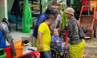 Hujan Rendam Jakarta, Santri Siaga NU Dirikan 6 Pos Peduli Banjir