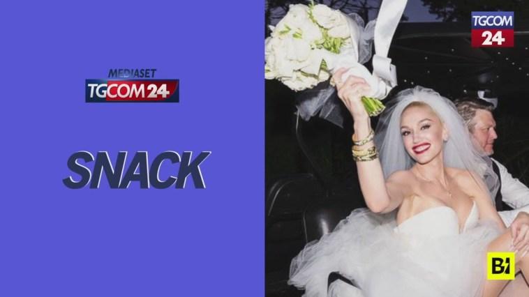 Stivali e abito corto, Gwen Stefani convola a nozze con un look country
