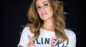 """""""Striscia la notizia"""", nuova coppia dietro al bancone: arrivano Alessandro Siani e Vanessa Incontrada"""