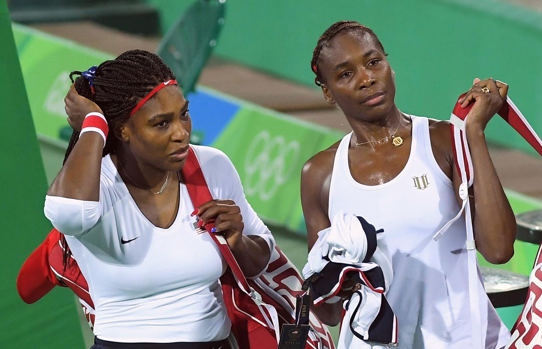 Serena et Venus Williams ont été éliminées du tournoi de tennis en double, le 7 août à Rio de Janeiro.