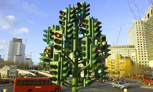Ortalama bir insan ömrünün 2 haftasını trafik ışıklarında bekleyerek geçirir