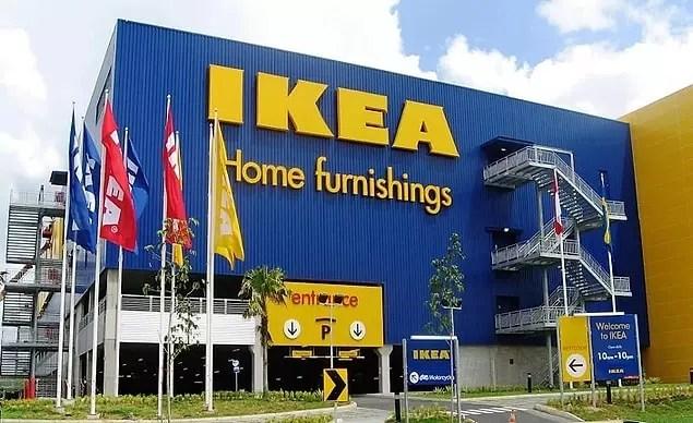 IKEA marka koltuklar, kahve sehpaları, kitaplıklar ve kapı kolları adlarını İsveç'teki; yataklar ve gardıroplar adlarını Norveç'teki; halılar adlarını Danimarka'daki; yemek masaları ve sandalyelerse adlarını Finlandiya'daki yerlerden alır.