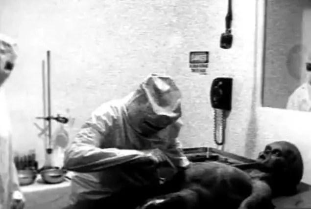 Einstein 5 Uzaylı Cesedine Otopsi mi Yaptı?