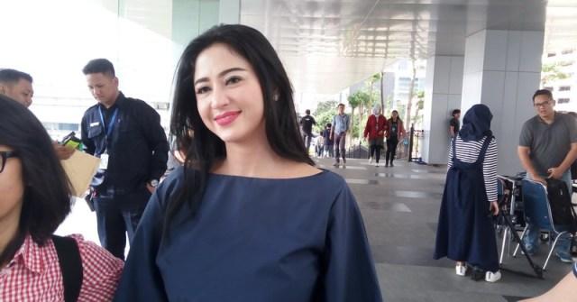 Dewi Perssik