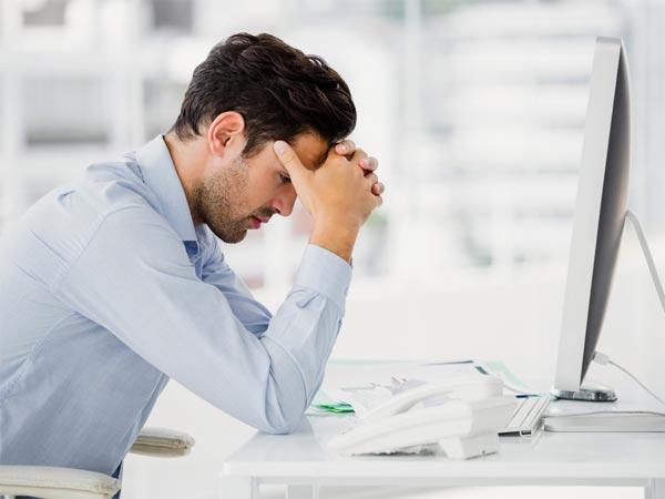 Hasil gambar untuk pegawai stres