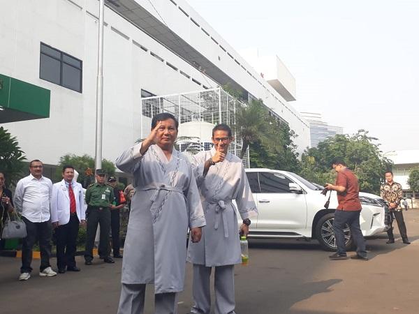 Bakal capres dan cawapres Prabowo-Sandiaga tes kesehatan di RSPAD. (Foto: Fahreza Rizky/Okezone)