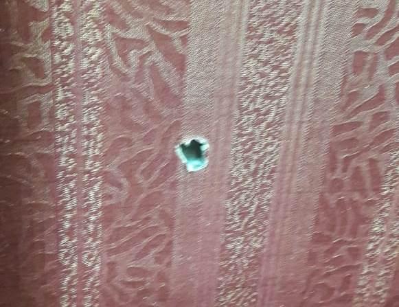 Ruang kerja anggota DPR terkena peluru nyasar. (Ist)