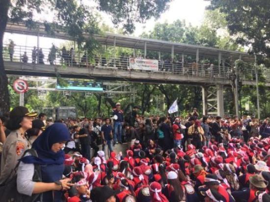 Buruh Tak Bisa Gelar Aksi Demonstrasi di Depan Istana Kepresidenan, Jakarta (foto: Sarah Hutagaol/Okezone)