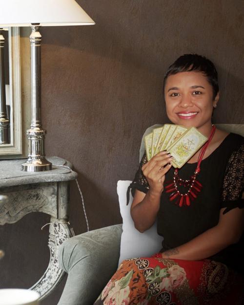 Dewi Tarot