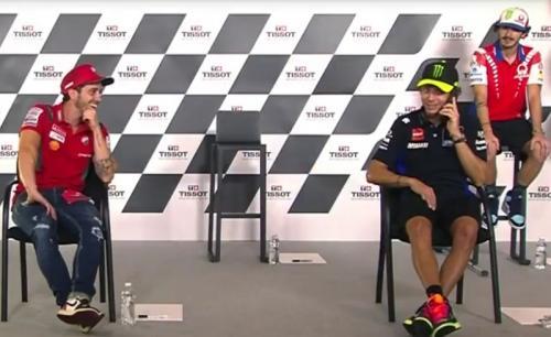 Valentino Rossi tertinggal 26 poin dari Andrea Dovizioso (Foto: MotoGP)