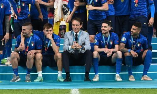 Mancini bersama pemain Timnas Italia