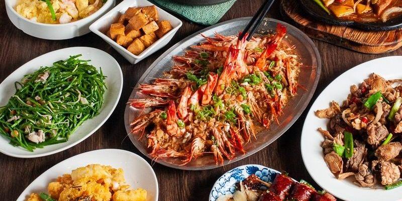 (台南美食/東區)在地老字號《竹花園海鮮燒烤》上百種料理一應俱全,環境新穎寬敞,晚餐、宵夜,團體聚餐的好所在!
