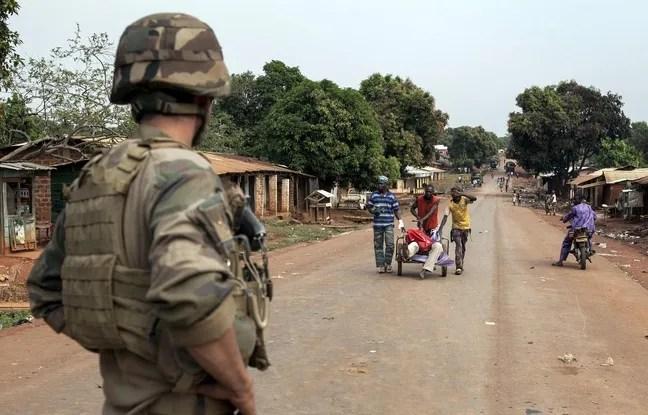 Un soldat français à Yaloke, le 9 février 2014.