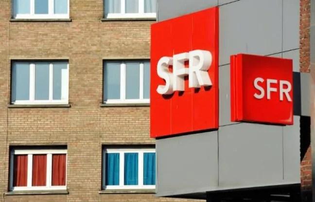 """Les salariés dénonçent """"une fraude"""" entre SFR et le gestionnaire de centres d'appels Teleperformance"""