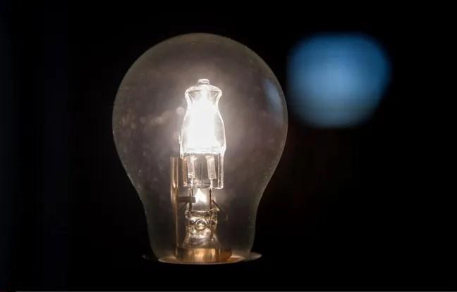 Les tarifs réglementés de l'électricité vont augmenter de 2,5% dès le 1er aout 2015 en France.