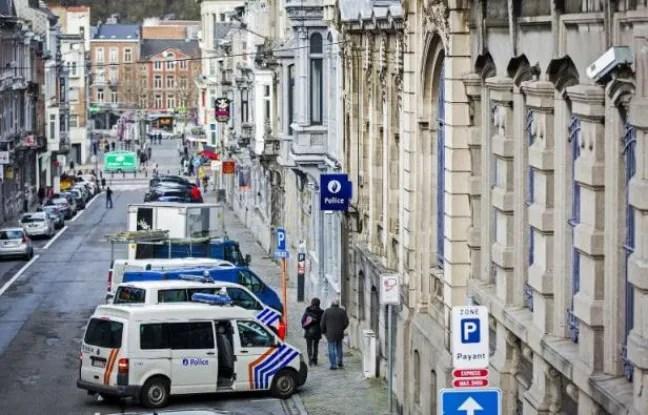 https://i2.wp.com/img.20mn.fr/EbzKcndGQvW1SkxqIuJmgg/648x415_vehicules-police-stationnes-a-verviers-belgique-16-janvier-2015.jpg