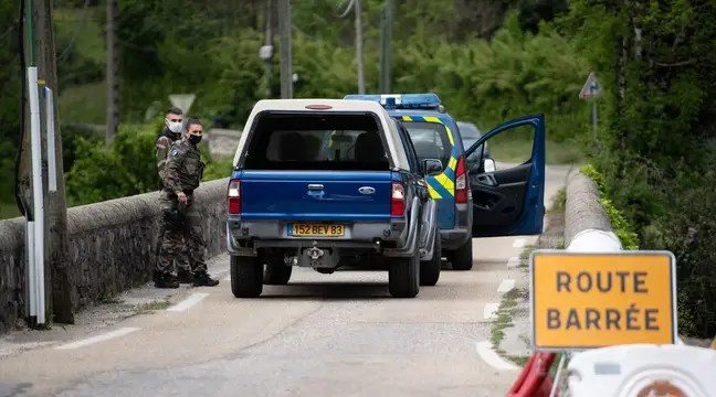 Le suspect «s'est rendu» sans opposer de résistance, annonce Darmanin