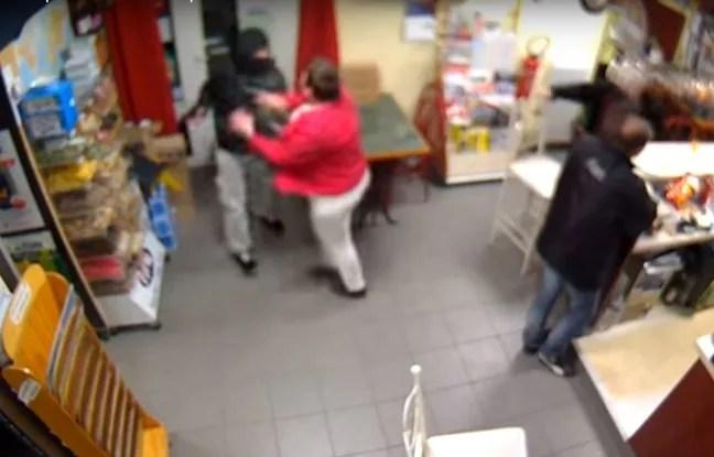 N'écoutant que son courage, la patronne du bar a fait fuir le braqueur.