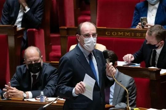 sous pression, l'exécutif suspend les vols entre le Brésil et la France