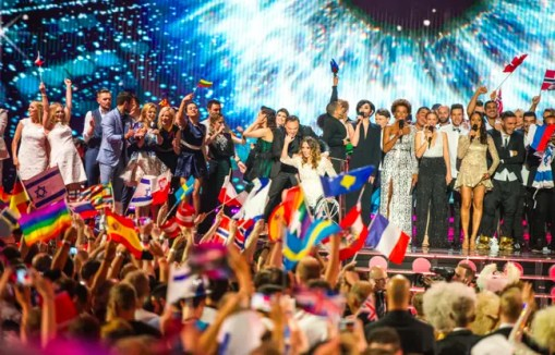 Les pays qualifiés à l'issue de la 2e demi-finale de l'Eurovision, le 21 mai 2015, à Vienne (Autriche).